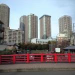 昭和と平成のカオスな都市景観が外国人も魅了する 中央区佃島、月島を歩く